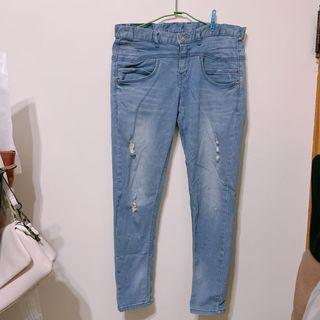 近全新轉賣 正韓貨 韓製 正韓 修身微刷破刷白小腳牛仔褲 窄管褲 丹寧褲 淺藍色 M號