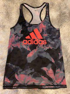 Adidas 女 排汗運動上衣  無起毛球 搬家出清隨便賣