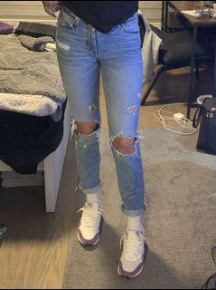 F21 Light Wash Ripped Jeans