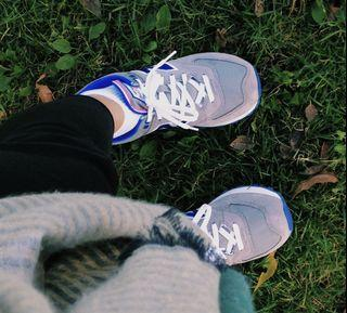 New Balance shoes - size 9