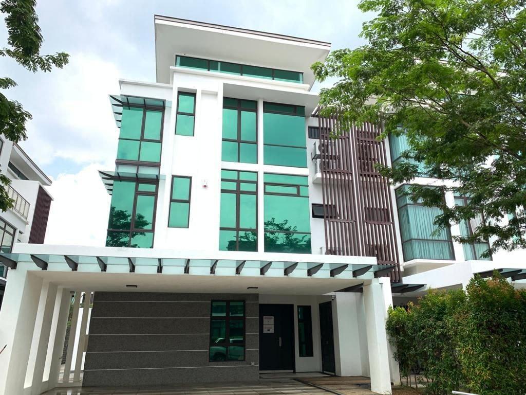 [WTS] Fera Twinvilla 3 Storey Semi D Villa House Presint