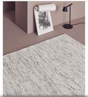99新 高級時尚 來自英國 Nyoko 手工地毯 成份100%wool 尺寸200*300cm
