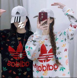 近新滿版字母adidas運動上衣