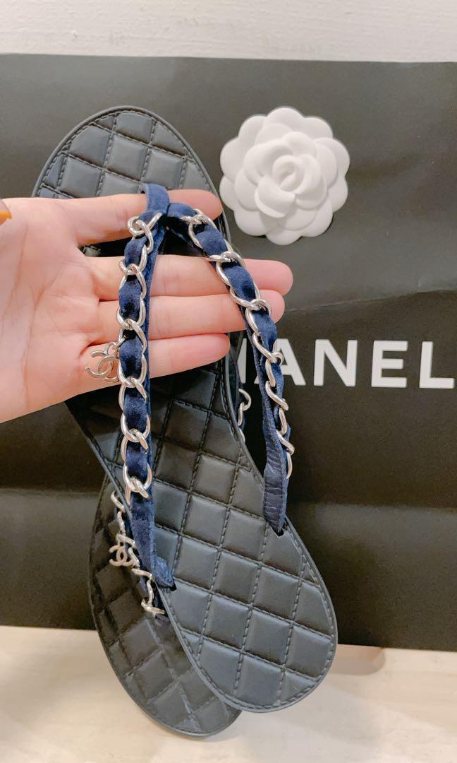 Chanel麂皮鏈條經典夾腳拖
