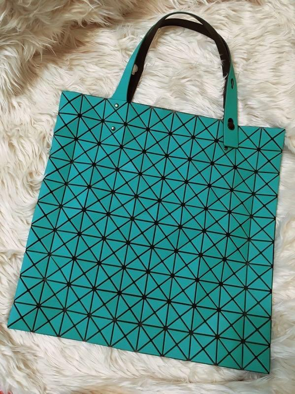 近全新三宅ㄧ生issey miyake 10x10格 baobao霧面綠色湖水綠霹啵包幾何圖騰手提包購物袋