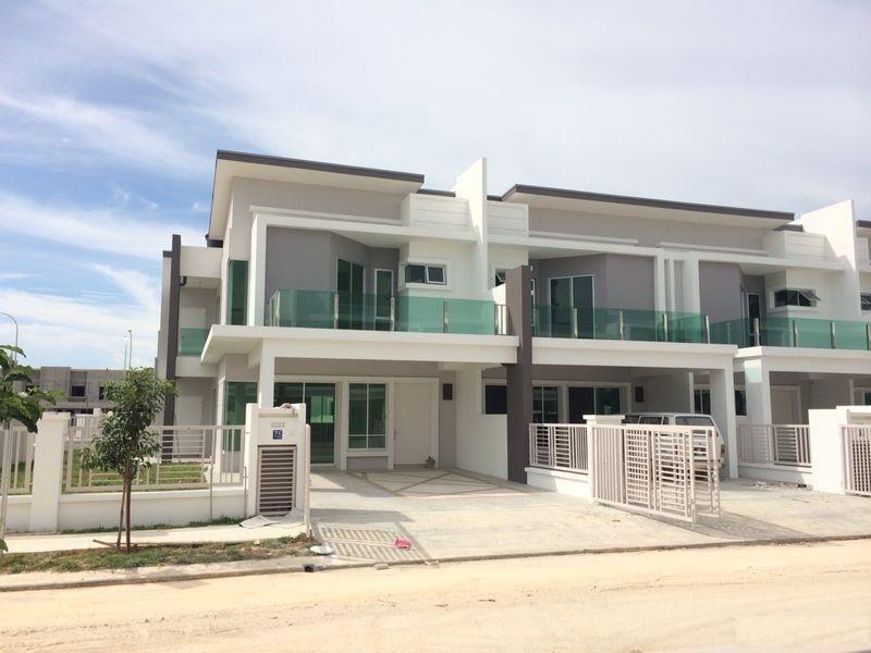 SUNGAI BULOH FREEHOLD DOUBLE STOREY SUPERLINK HOUSE CASHBACK , 24 HOUR SECURITY GUARD