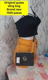Auth guess sling bag