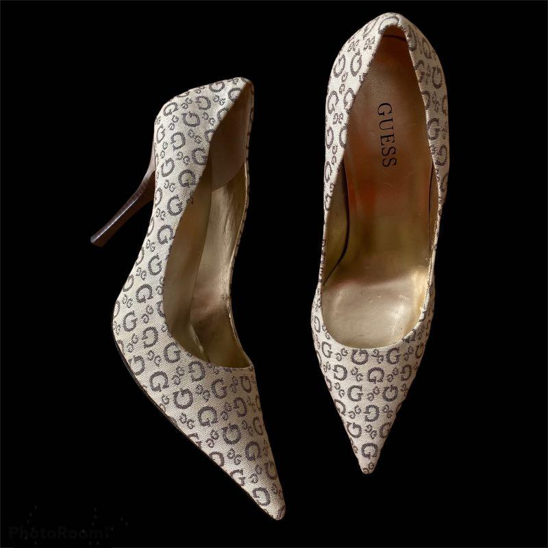 Guess Print Pointed Toe Heels Size 9 US
