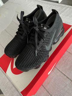 Women's Black Air VaporMax Flyknit 3 Sneakers 6.5