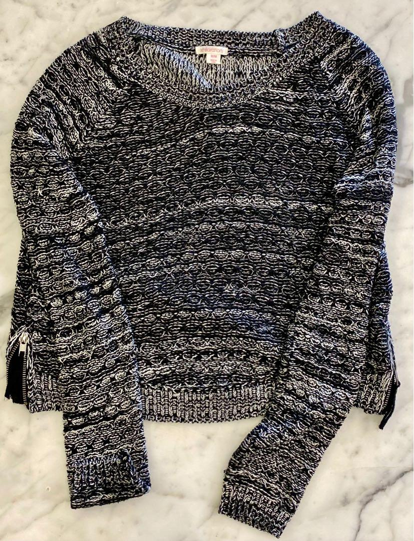 BRAND NEW GREY KNITTED SWEATER WITH ZIPPER DETAIL
