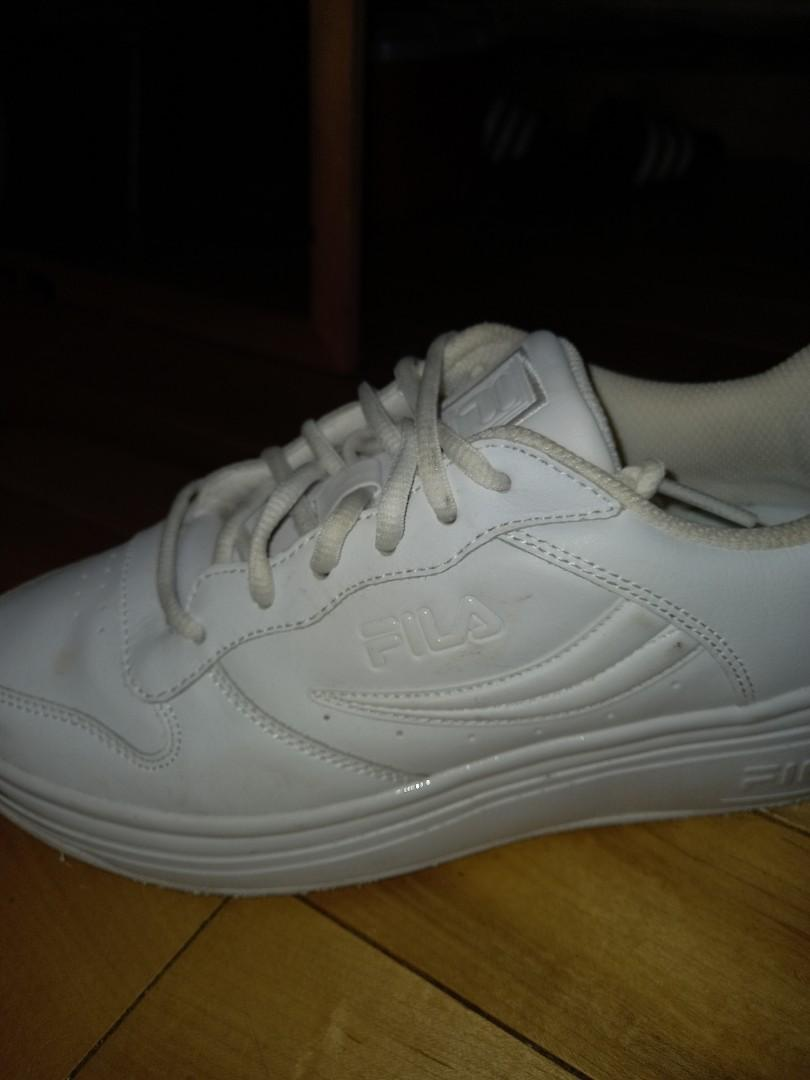 Fila white women's low cut shoes BRAND NEW