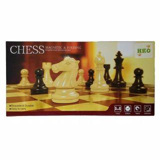 Folding Magnetic Chess Board. Papan Catur magnet.