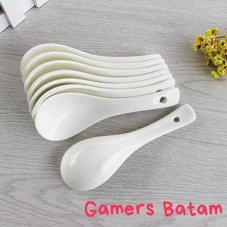 Sendok Makan Steril bahan Keramik warna Putih untuk Hotel / Restoran