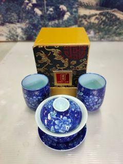 早期1990年代-個人收藏品具*各式精品,青花牡丹磁三件碗茶器組°已售出(SOLD)*