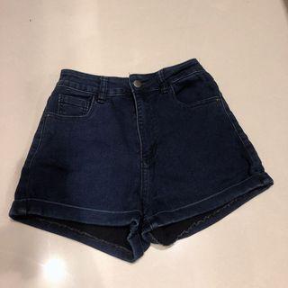 褲管反折顯瘦牛仔高腰短褲