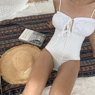 韓國摟空雕花純白綁帶連身泳衣