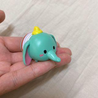 扭蛋/小飛象 中間有吸盤可以吸住東西