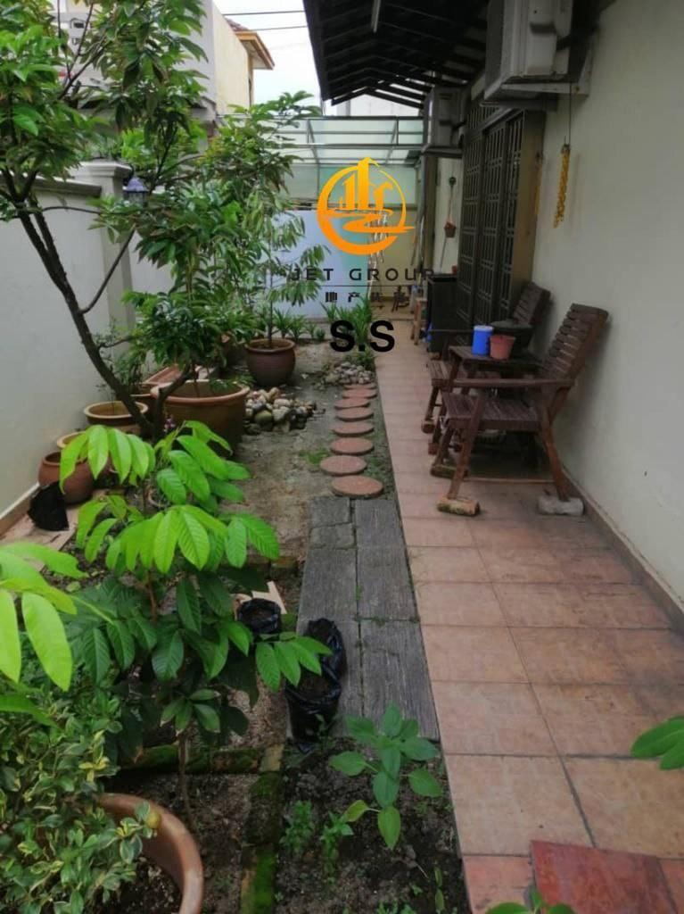 Bukit Tinggi 2 Double Storey End Lot for Sale