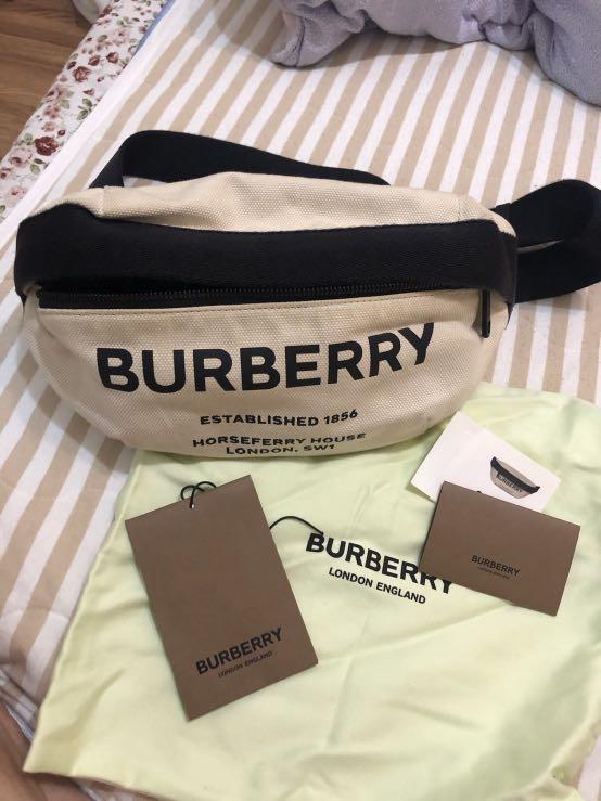 Burberry 新款腰包