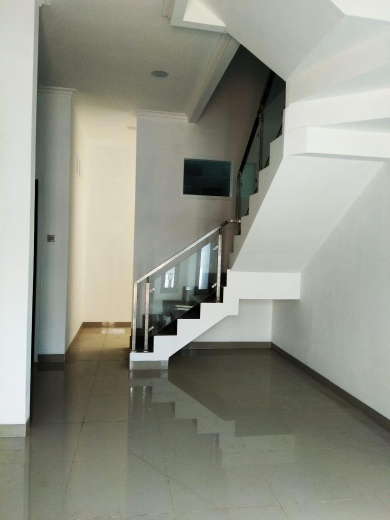 Cluster modern 2 lantai bebas banjir dijatibening