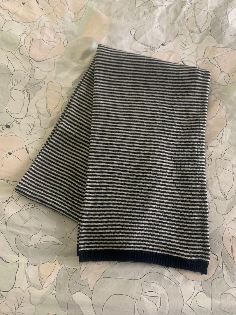 GAP Navy Striped Scarf