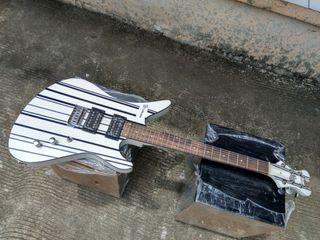 Gitar elektrik shecter putih