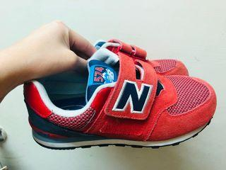 New Balance574復古魔鬼氈慢跑鞋