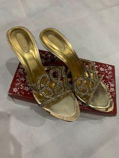 Sepatu pesta paulista