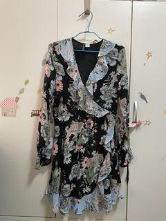 復古典雅荷葉邊領洋裝