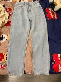 淺藍色牛仔長褲