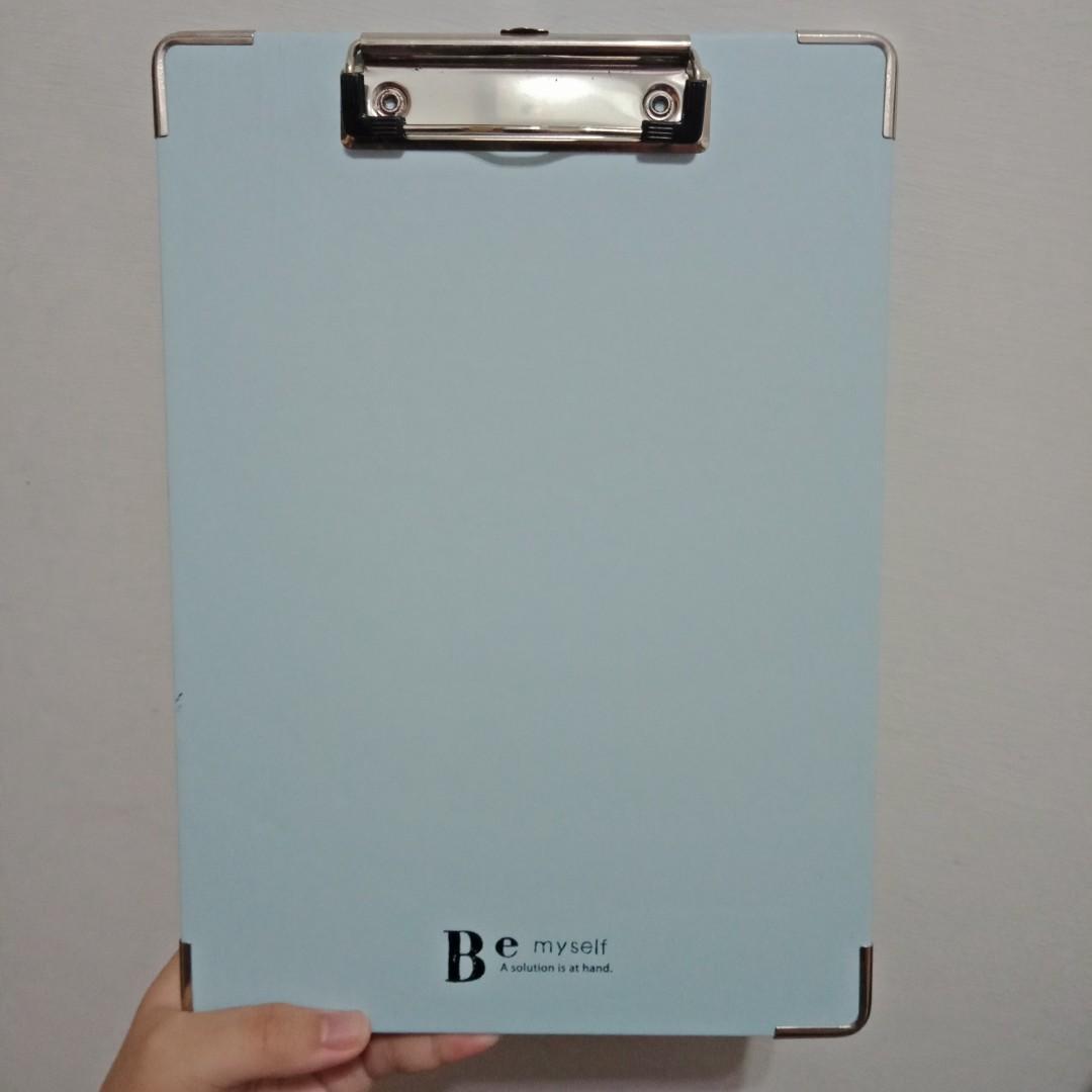 板夾 水藍色 長28公分、寬20公分