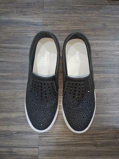 Annalee黑色亮珠內增高便鞋-23號