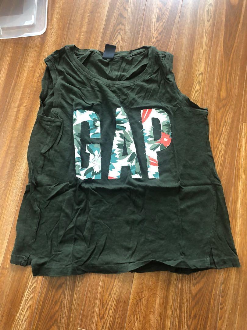 Gap Tank Top Size M Green