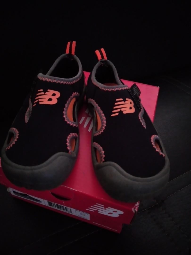 Sepatu anak NB shoes ukuran 25