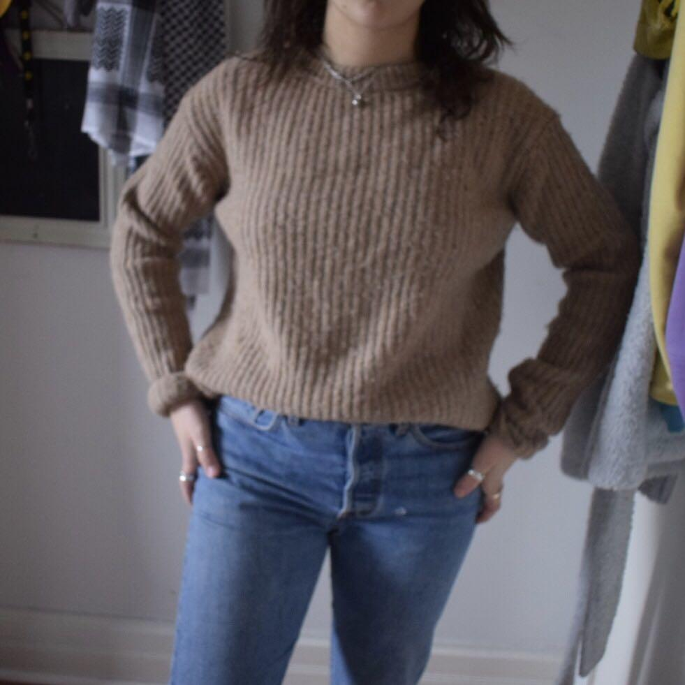 Roots Knit Caramel sweater, size small