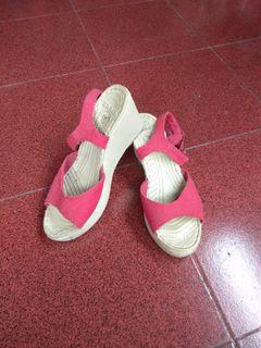 Sepatu Sendal crocs 39