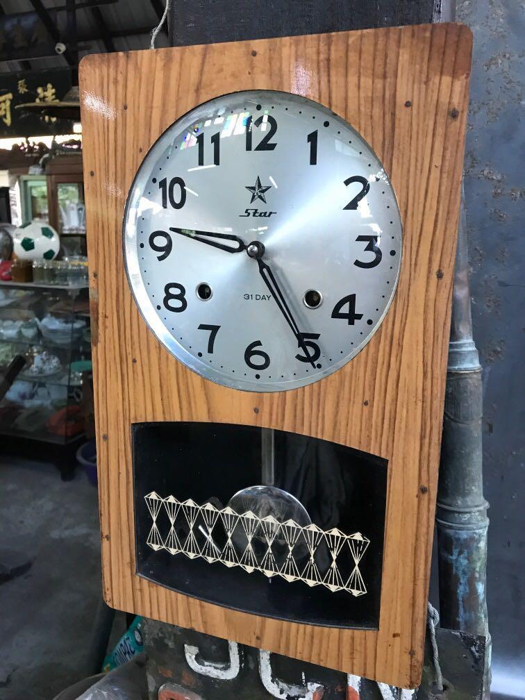 Vintage jam kunci dinding ( Star , 31 Day )