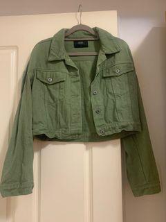 綠色短版牛仔外套