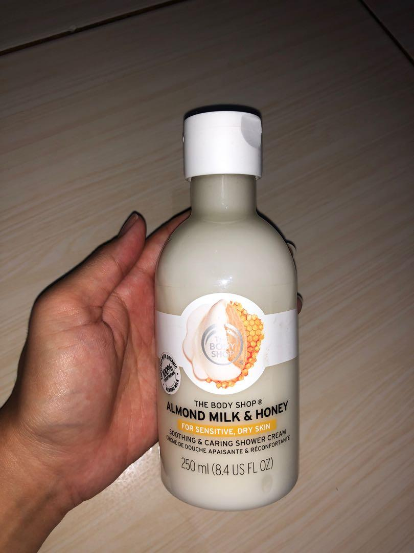 Almond milk & honey The body shop