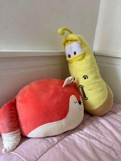 Boneka Larva Kuning