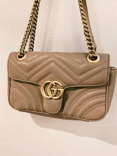 Gucci Marmont 奶茶色
