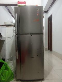 Kulkas 2 pintu SHARP