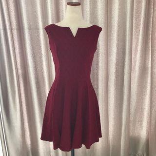 Preloved Arithalia Maroon Dress