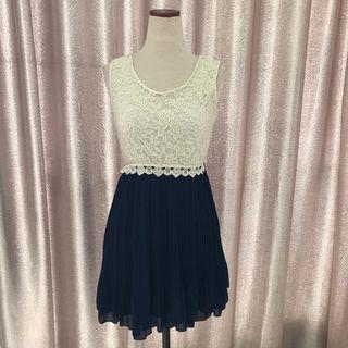 Preloved Cavalier White & Blue Dress