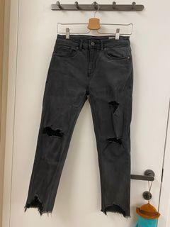 SISJEANS黑色破洞牛仔褲