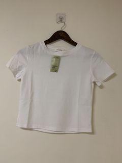 俏麗白色短版上衣F