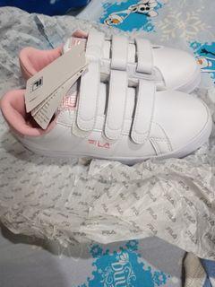 FILA小白鞋