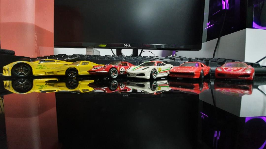 Hot Wheels Ferrari - Playworn
