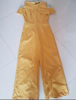 Jumpsuit merk NYLA, belum pernah dipakai