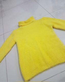 Sweater bulu bulu, JUAL RUGI, BLM PERNAH DIPAKAI